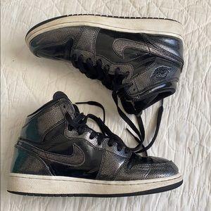 Nike Air Jordan 1 Retro High BG Sneakers